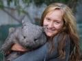 i12-8058-lena-with-wombat