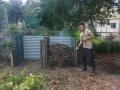 wwoofer-composting